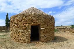 Caseta redondad de piedra seca